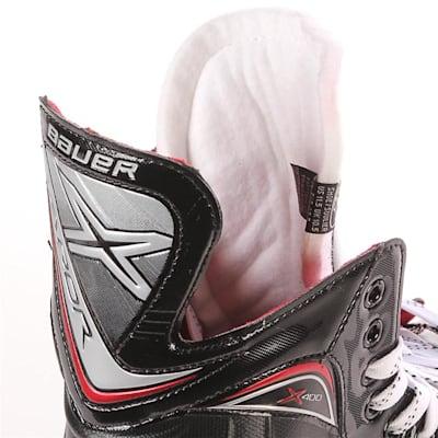 S17 Vapor X400 Ice Skate - Tongue Shot (Bauer Vapor X400 Ice Hockey Skates - 2017 - Junior)