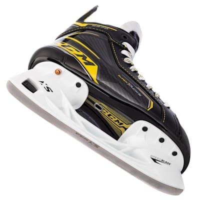 (CCM Super Tacks 9370 Ice Hockey Skates - Junior)