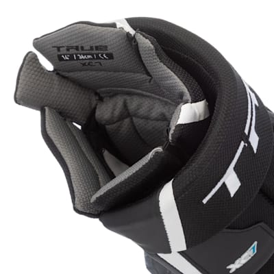 (TRUE XC7 Hockey Gloves - Junior)