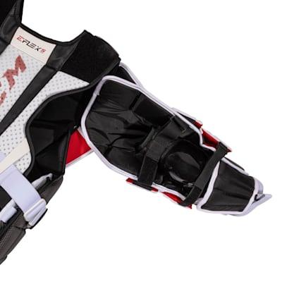 (CCM Extreme Flex 5 Pro Goalie Chest Protector - Senior)