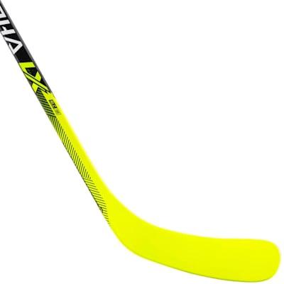 (Warrior Alpha LX Pro Grip Composite Hockey Stick - Youth)