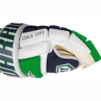 4-Bar Style Design Gives You A Classic Pro Look (Warrior Remix LE Hockey Gloves - Senior)
