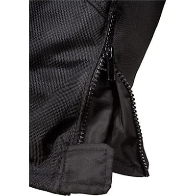 Zipper Detail (Bauer Vapor X100 Hockey Pants - Junior)