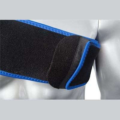 (Shock Doctor Ice Recovery Shoulder Wrap - Intermediate)