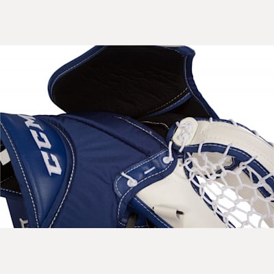 Backhand View (CCM Extreme Flex II 860 Goalie Catch Glove - Senior)