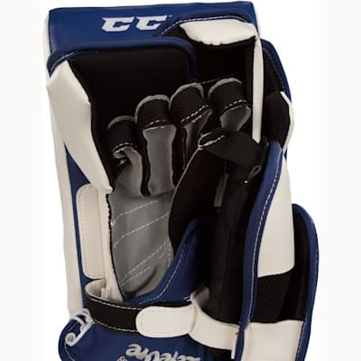 Palm View (CCM Extreme Flex II 860 Goalie Blocker - Senior)