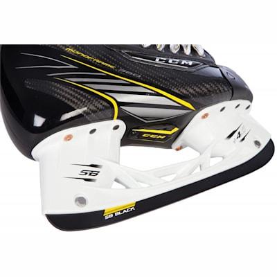 (CCM Super Tacks Ice Hockey Skates - Senior)
