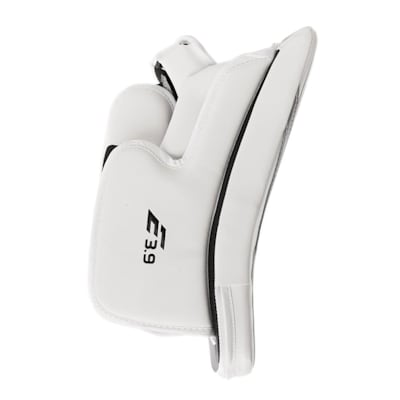 (CCM Extreme Flex E3.9 Goalie Blocker - Intermediate)