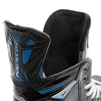 (Bauer Nexus N2900 Ice Hockey Skates - Junior)