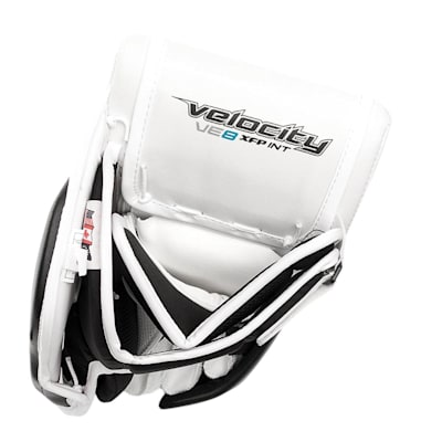 (Vaughn Velocity VE8 XFP Goalie Blocker - Intermediate)