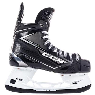 (CCM Ribcor 80K Ice Hockey Skate - Junior)
