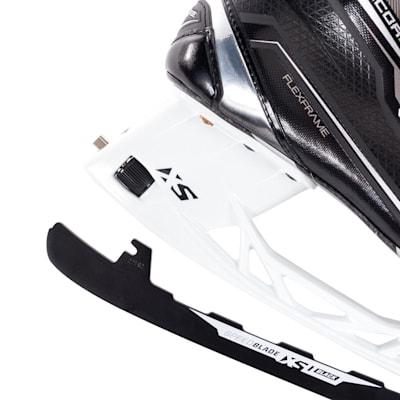 (CCM Ribcor 80K Ice Hockey Skate - Senior)