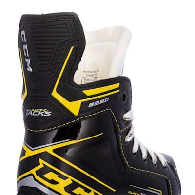 (CCM Super Tacks 9380 Ice Hockey Skates - Youth)