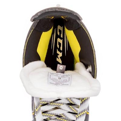 (CCM Super Tacks 9370 Ice Hockey Skates - Intermediate)