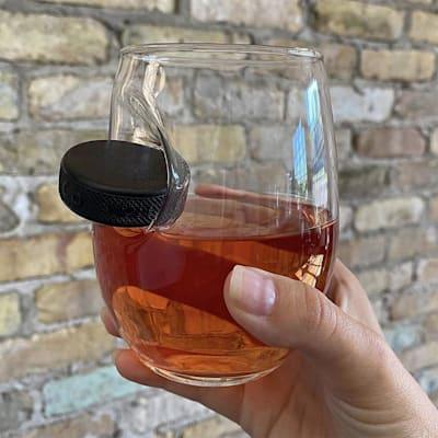 (BenShot Hockey Puck Wine Glass)