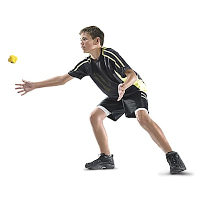 Reaction ball in action (SKLZ Reaction Ball - Agility Trainer)
